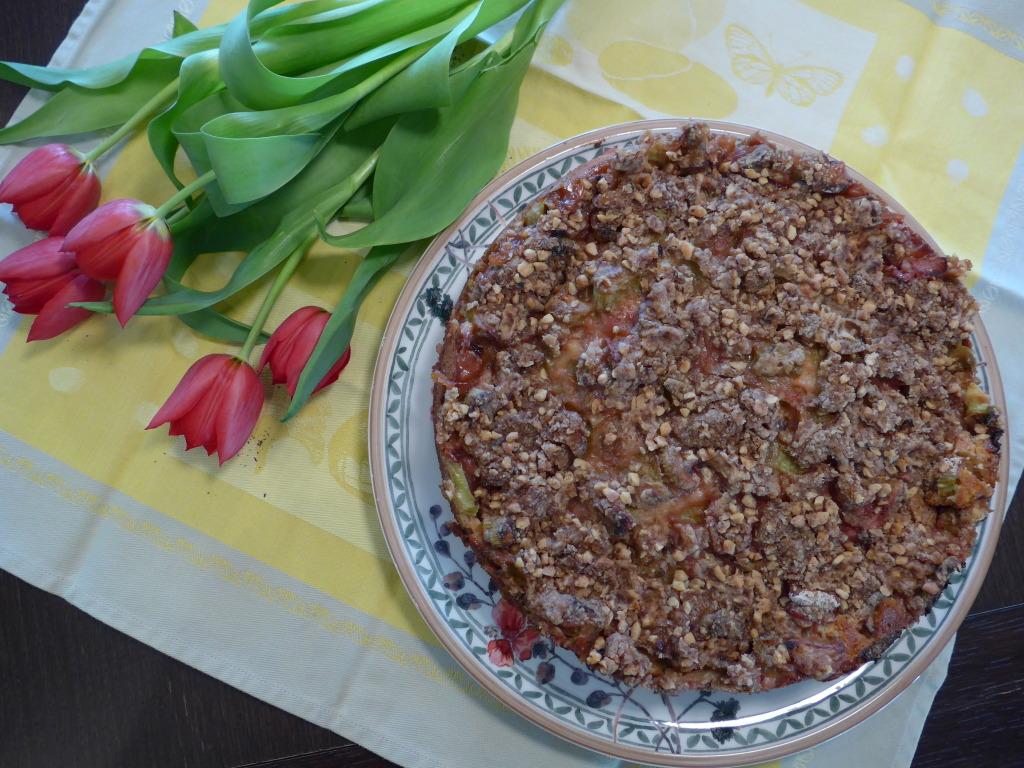 Rabarberikook pähklitega_terve